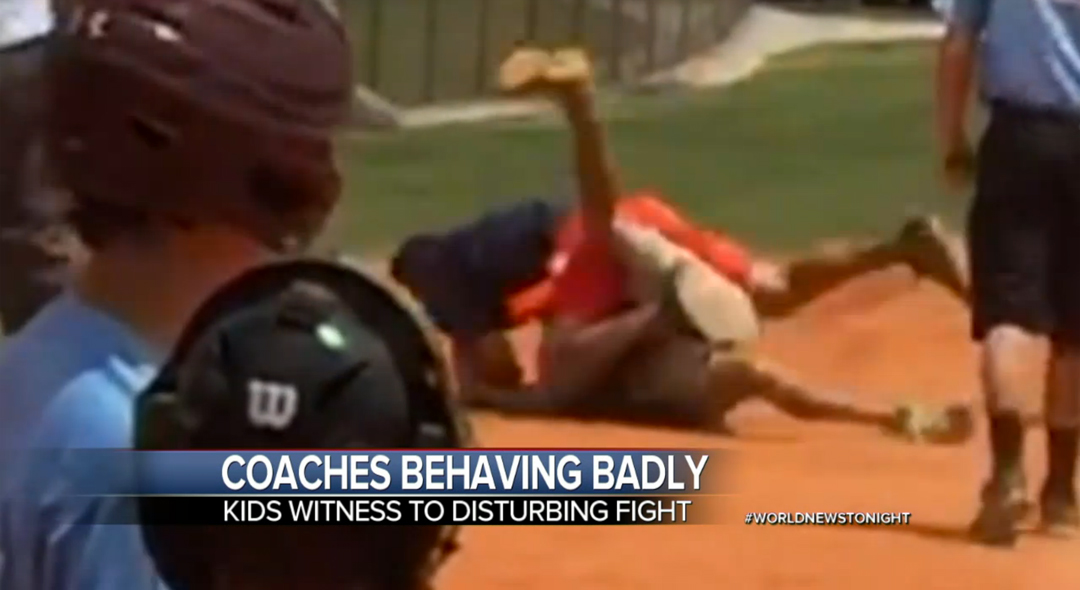 LITTLE-LEAGUE-COACHES-FIGHTING
